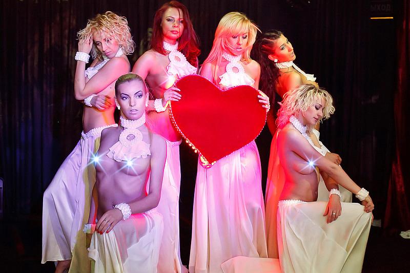Эротические шоу diamond girls мужской клуб 911 екатеринбург